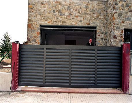 Fotos de vallas puertas ventanas para fincas chalet s - Vallas para chalets ...
