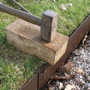 Borduras y separadores de acero arena y piedras for Separadores de jardin