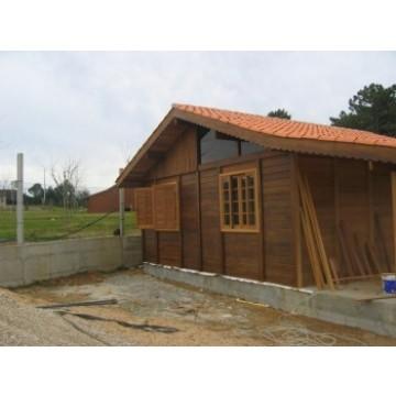 Casas de madera casetas y carpas 9695 agroterra for Carpas de madera para jardin