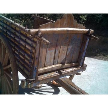 Carros antiguos de madera trillos ruedas barricas y for Carros de madera para jardin