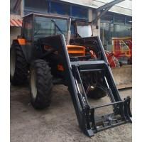 Tractor Renault 851.4 con PALA