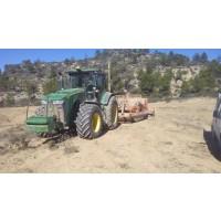 Tractor con Equipo de Nivelacion