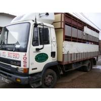 Camion para el Transporte de Ganado