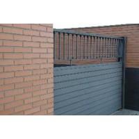 Puertas Metálicas, Instalación