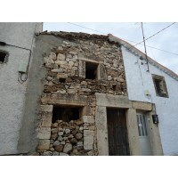 Vendo Casa a Reformar y Parcelas.
